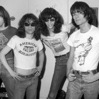 Tömeg és hangtechnikus sem volt a Ramones első koncertjén