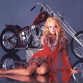 Vadóc díva Harley-Davidsonon