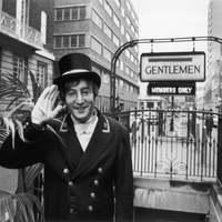 """John Lennon, a """"vécés bácsi"""""""
