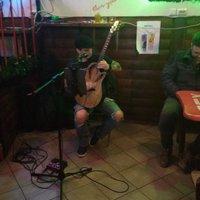 Vilkó egy szál gitárral Debrecenben