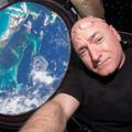 Egy év az űrben retro rockkal