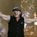 Amikor az AC/DC énekese porszívót reklámozott