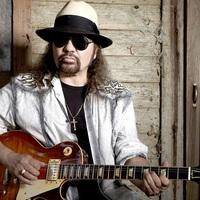Szívrohamot kapott a Lynyrd Skynyrd gitárosa, Gary Rossington