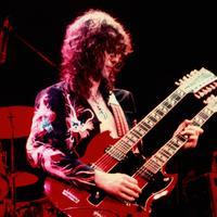 Magyar színész szerelmével zenélt a Led Zeppelin gitárosa