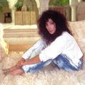 A Beatles dobosáról szóló szerelmes dalt énekelt Cher