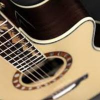 Így játsszák akusztikus gitáron az AC/DC 'Thunderstruck' című dalát