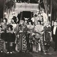 50 éves Jaggerék Rock And Roll Cirkusza....de csak 1996-ban vált nyilvánossá