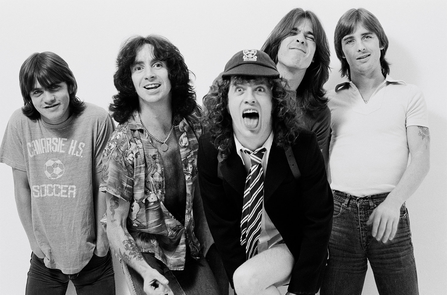 01-malcolm-young-acdc-billboard-1548.jpg