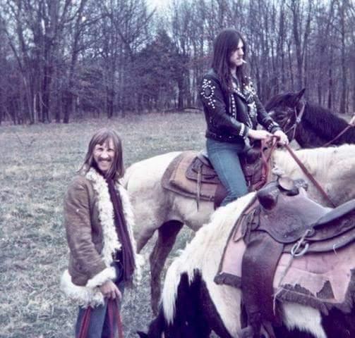 lemmy_horse_02.jpg