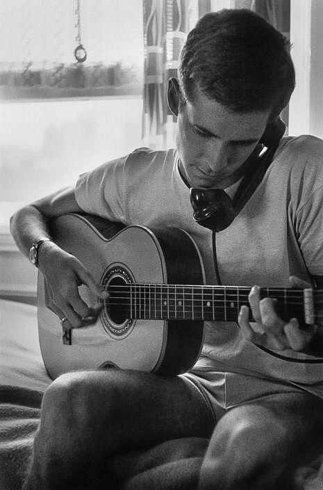 perkins_guitar_22.jpg