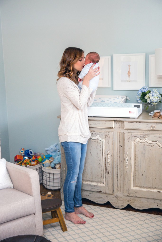 hatch-baby-changing-table_51-683x1024.jpg