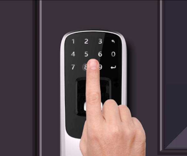 ultraloq-smart-lock-simplify-your-safety-02.jpeg