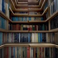 Kis lakás-sok könyv
