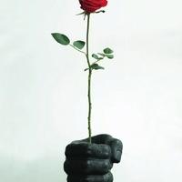 Valentin-napok: az ököl lesújt
