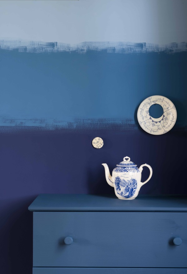dulux-colour-futures-17-coty-stripe-wall-detail-earl-blue-woad-walk-marine-waters.jpg