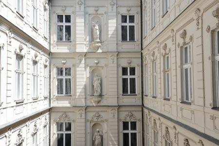 Courtyard2- Udvar2.JPG