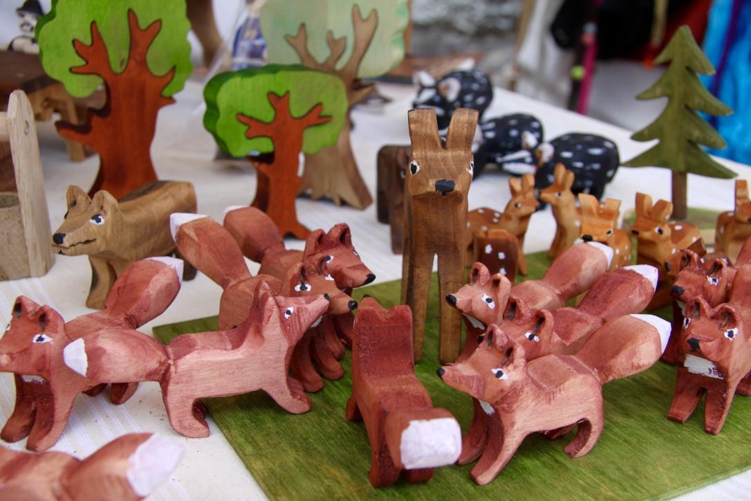 Az erdő faragott állatkái