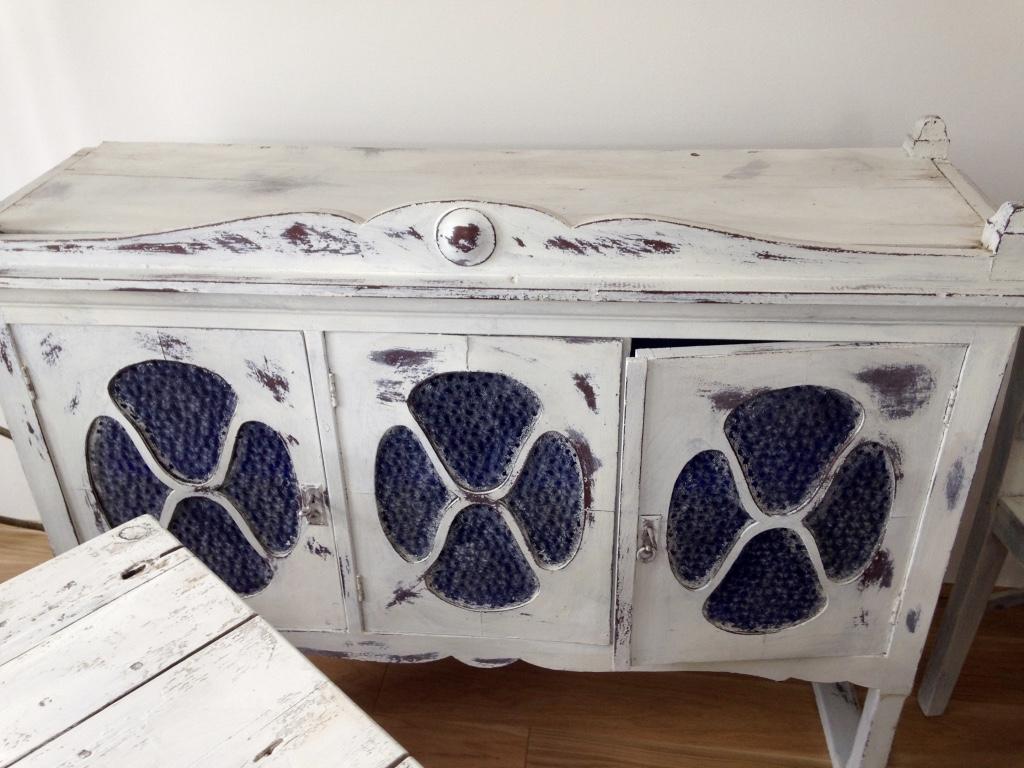 Antik bútorok átszínezés után