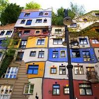 Hetikép: Hundertwasser ház idült alkoholistáknak