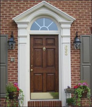 Keretes bejárati ajtó