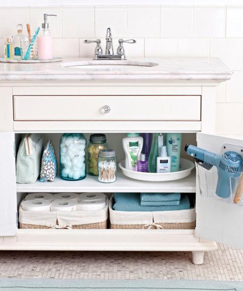 54fefb8de2a1b-organize-master-bathroom-s3.jpg