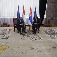 A legvidámabb barakká varázsolná a lakásod egy olyan szőnyeg, amin Orbán Viktor tárgyalt
