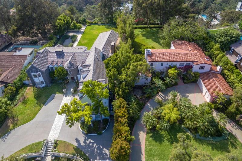 Egyszerre két házat is eladott Tom Hanks