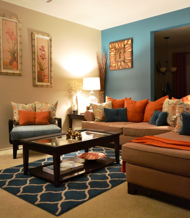 Felejtsd el a feh ret gy is vil gosabb lehet a lak s - Burnt orange feature wall living room ...