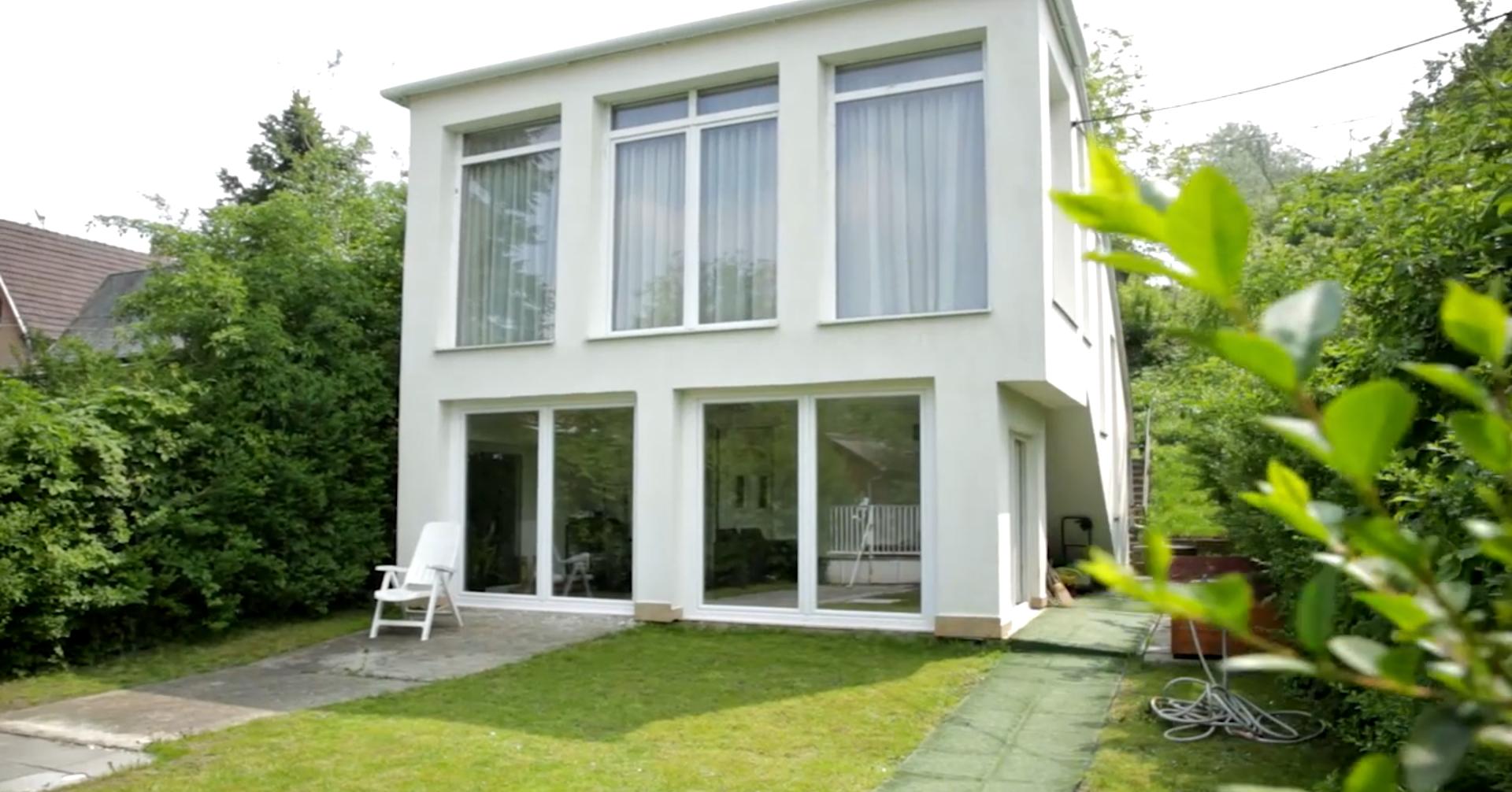 Krisz Rudi bemutatja csodás vízparti házát