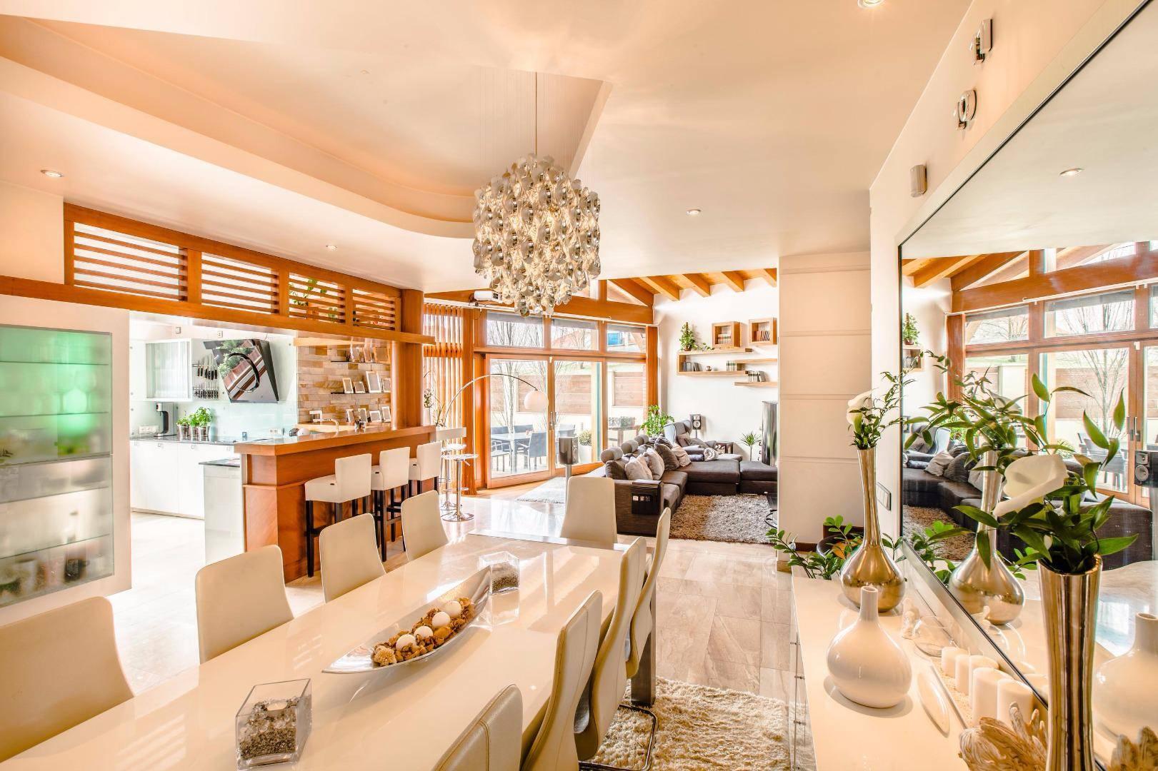 Madárcsicsergős luxus ingatlanok az agglomerációból