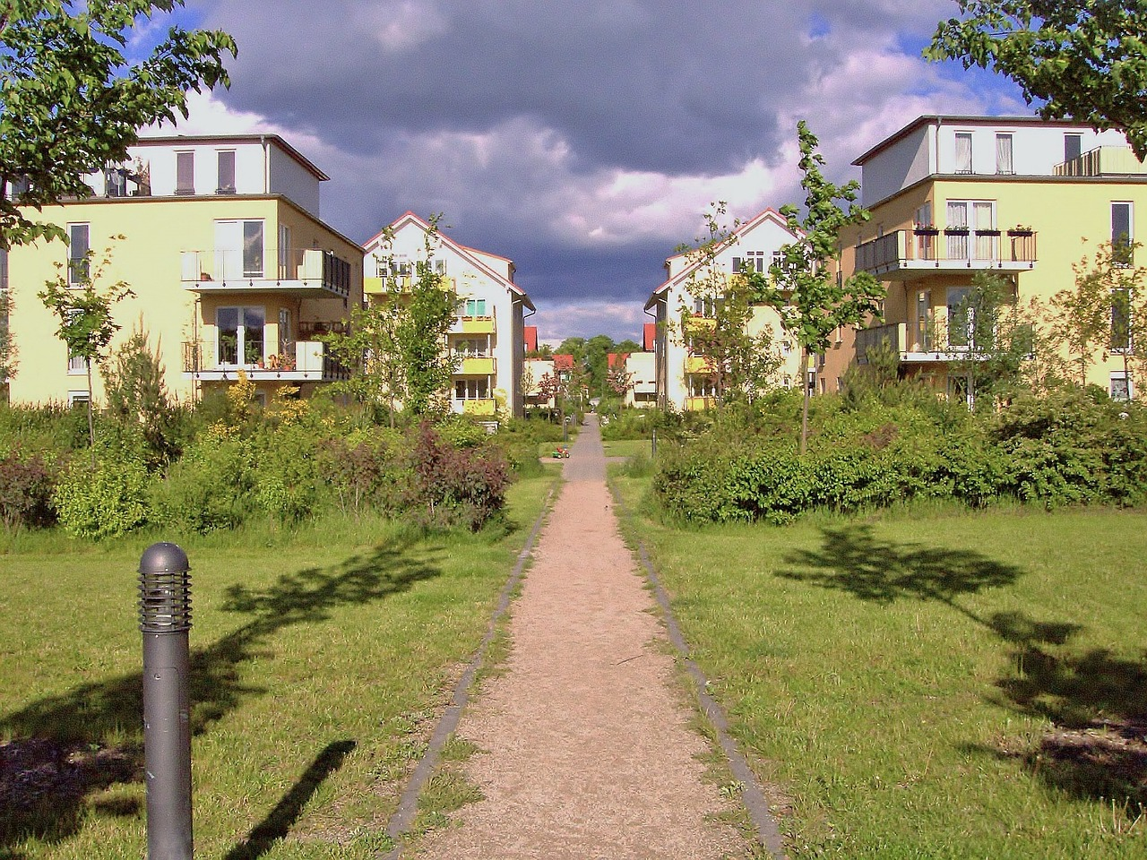 residential-complex-660901_1280.jpg