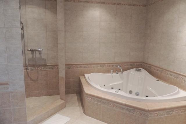 Fürdőszobák hűsöléshez - Kád vagy kabin?
