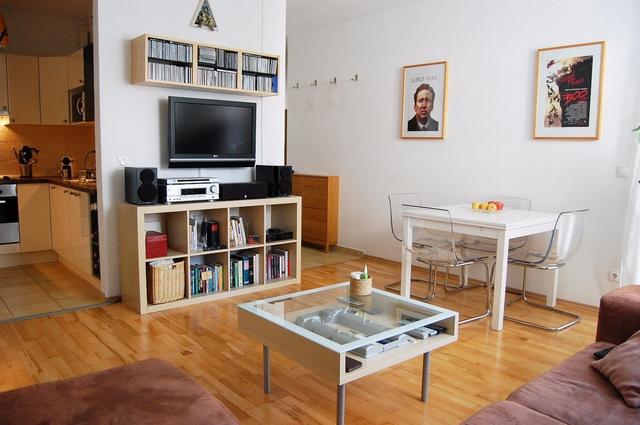 Így néz ki Nicolas Cage egy budapesti nappaliban!