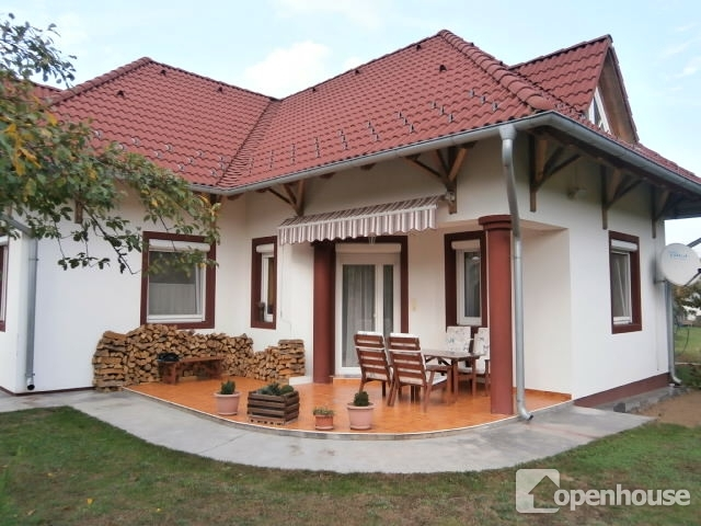 Kellemes családi ház a Balaton környékén