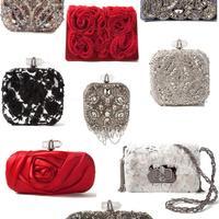 Piros selyem, csillogó kőberakások, ezüst strasszok: Marchesa