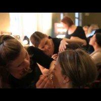 Backstage videó a Gombold újra! divatbemutatóról