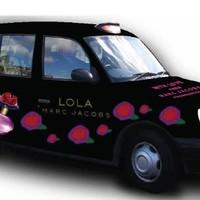 Londoniak! Utazzatok Marc Jacobs taxiban!
