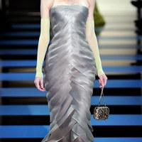 Csodás ruhák és sminkek az Armani Privé bemutatóról