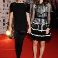 Love or Hate? - Sienna Miller és Keira Knightley a vörös szőnyegen