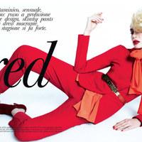 Srej Zsófi vörösben az olasz Glamourban