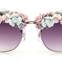 Love/Hate? Kisvirágos napszemüvegek