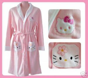 Divatos mesefigurák 1. - A Hello Kitty kultusz - OurFashion fd7947247b