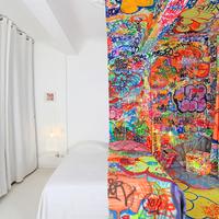 A Félig Graffiti Hotelszoba - Tilt