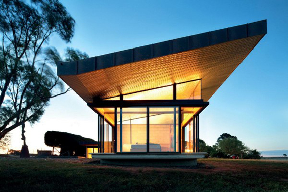 Brent-Knoll-Residence-in-Malmsbury-Australia-by-March-Studio-2.jpg