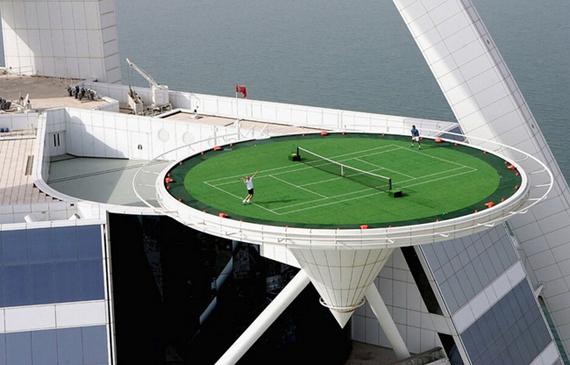 Burj-Al-Arab-Tennis-Court-02.jpg