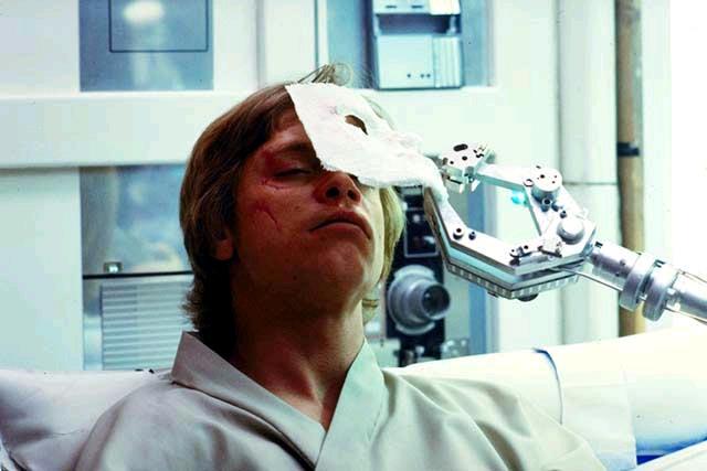A Birodalom visszavághoz még egy olyan jelenetet is felvettek, amelyben Luke arcműtéten esik át. Ám ez végül kimaradt a filmből.