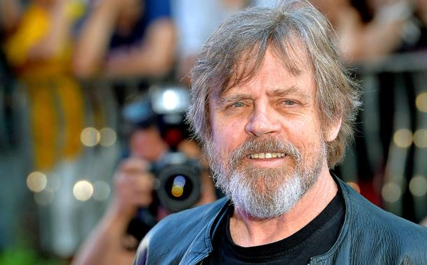 Mark Hamill csatlakozik a szakállas Jedi-mesterek sorához.