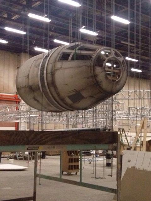 Íme a pilótafülke, amely az űrhajó oldalán kap helyet.