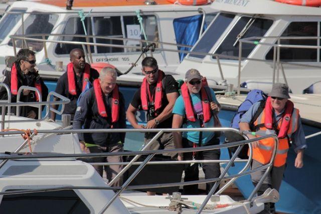 A nap végén stábragok érkeznek vissza Portmagee kikötőjébe. (fotó: The Movie Bit)