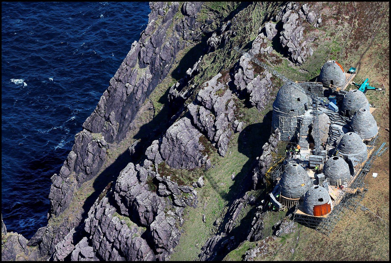 A környéken repülési tilalom van érvényben, így szeretnék megakadályozni, hogy drónok segítségével hasonló fotók készülhessenek. (fotó: Irish Independent)